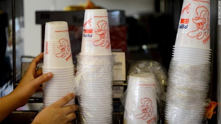 plastic-cups-exlarge-169